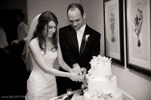 L'Auberge Del Mar Wedding Cake Cutting