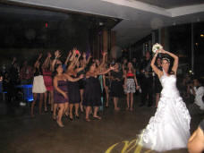 San Diego Wedding Bouquet Toss