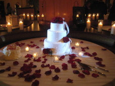 Kona Kai Wedding Cake Spotlighting.