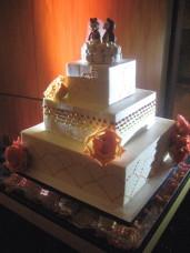 Scripps Forum Wedding Cake Spotlighting