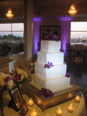Park Manor San Diego Wedding Cake With Lighting