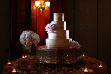 Hotel Del Coronado Wedding Cake Spotlighting